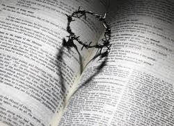 Love Lent pic Bible crown thorns heart
